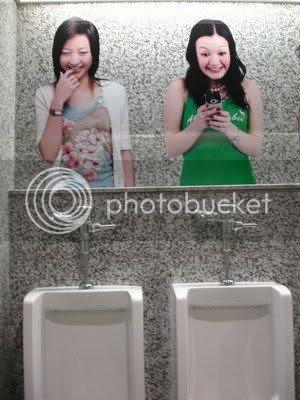 gambar lucu toilet di bangkok