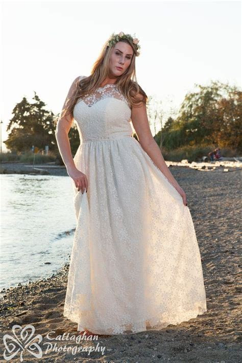 {Fashion Friday} Top Plus Size Wedding Dresses with
