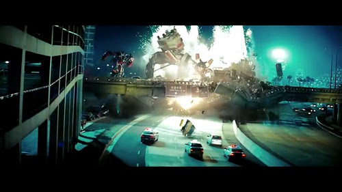 Transformers 2 Scavenger destroza puente