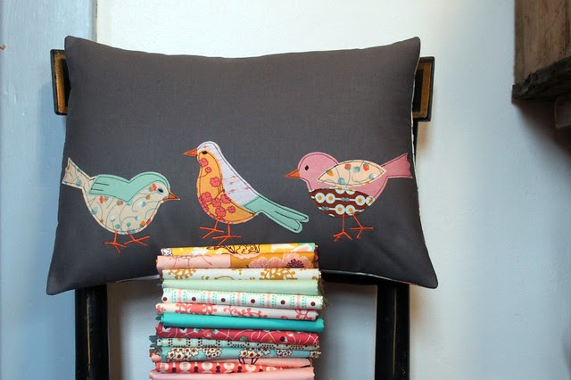 Summerlove Spring Birdie Pillow