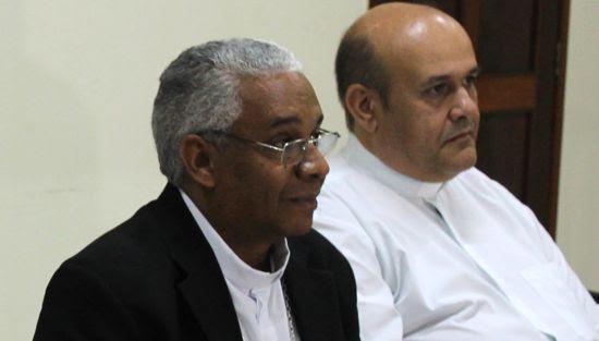 Dom Antonio (de preto) e Ivanoff (de branco)