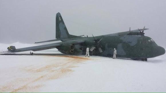 C-130 da FAB acidentado na Antártida - 1
