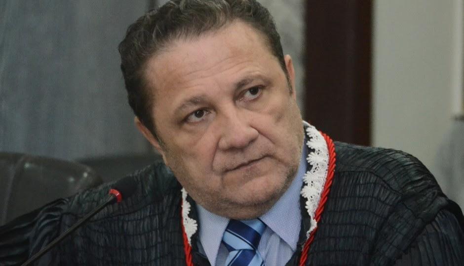 Cleones Cunha evita julgar processo que pode livrar fantasmas da AL-MA