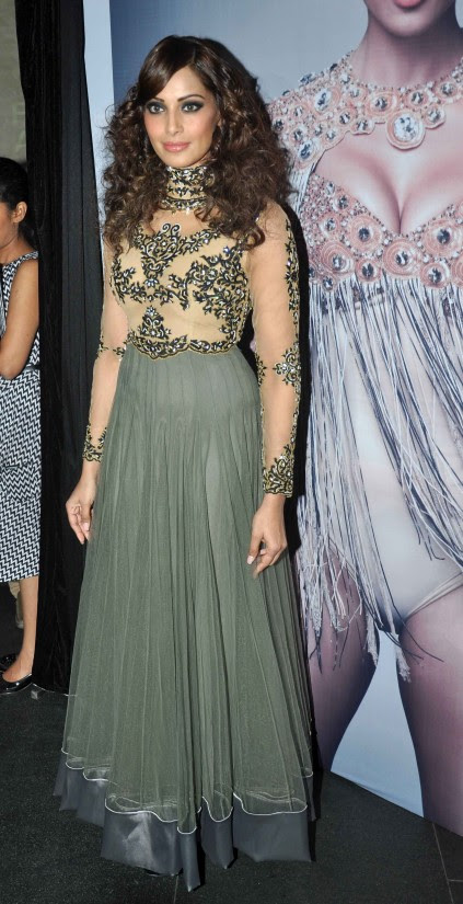 Bipasha-Basu-At-Announcement-of-IRFW-India-Fashion-Awards-Pictures-Photos-6