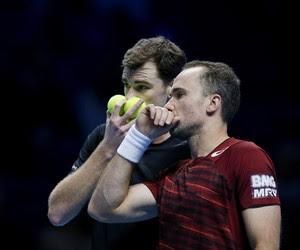 Jamie Murray e Bruno Soares na vitória sobre Marcelo Melo e Ivan Dodig pelo ATP Finals (Foto:  Reuters / Paul Childs Livepic)