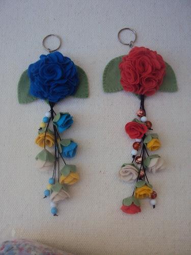 chaveiros flores todo em feltro by Vera Arte com Giz