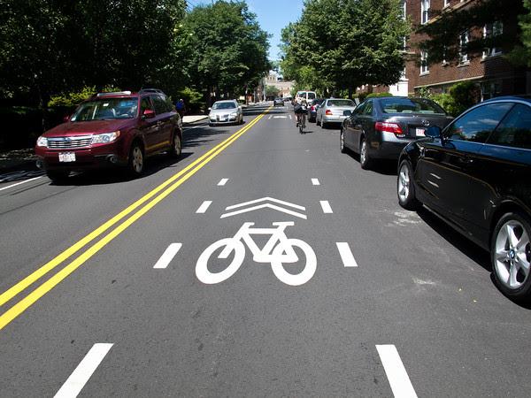 Main Street, Edgartown, bicycles, traffic, bike lanes