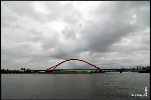 很特別的大橋應該變東港地標了