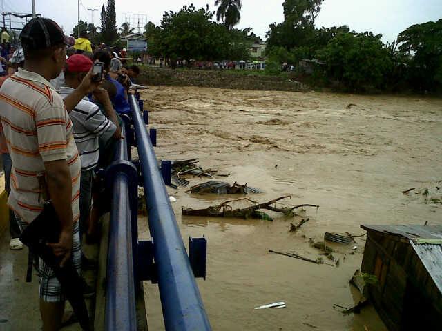 Perecen dos menores arrastrados por ríos Bacuí y Soco tras crecidas