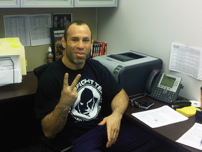 Wanderlei Silva completes final paper work before going 'Down Under' to