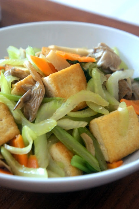Stir-fry Celery, Mushroom & Tofu-002