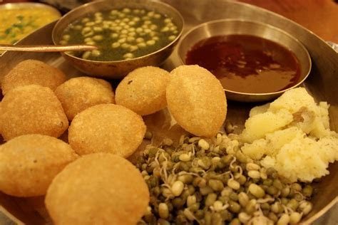 Pani Puri Golgappe With Khatta Mitha Pani HD Wallpaper