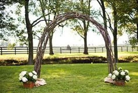 How To Make A Wedding Arch Out Of Wood: 4 Guides   Daily