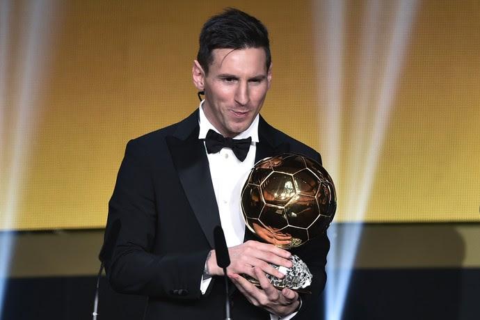 Messi Bola de Ouro (Foto: FABRICE COFFRINI / AFP)