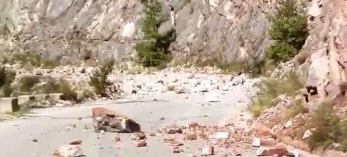 Σεισμός στη Θεσσαλία: Ρωγμές, κατολισθήσεις και πτώσεις βράχων [βίντεο]