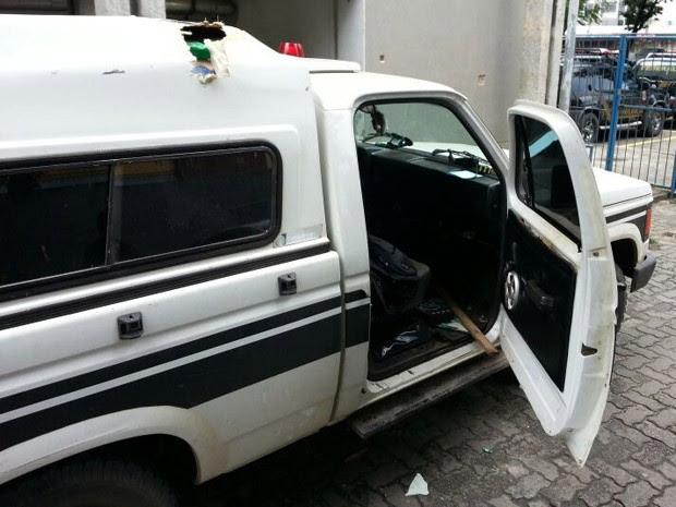 Condutor foi autuado em flagrante e responderá pelo crime de tráfico de drogas, informou a PF (Foto: Divulgação / Polícia Federal)