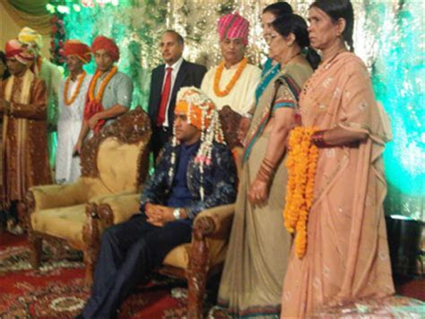 Congratulate MS Dhoni!   Rediff Cricket