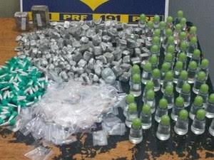 Droga foi encontrada em bagagem dentro de ônibus interestadual (Foto: Divulgação/PRF)