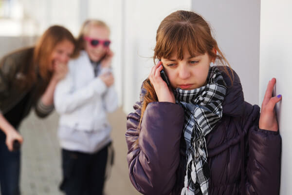 Pautas y consejos sobre las burlas y el maltrato escolar en el colegio.