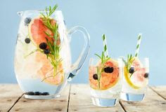 11 Natural Ways to Infuse Your Water