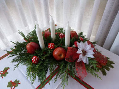 decoración navideña con manzanas