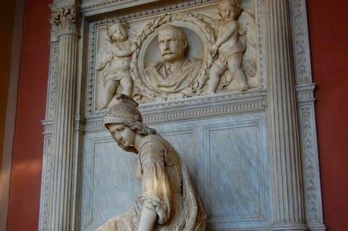 Certosa cemetry Bologna - images by Sunil Deepak