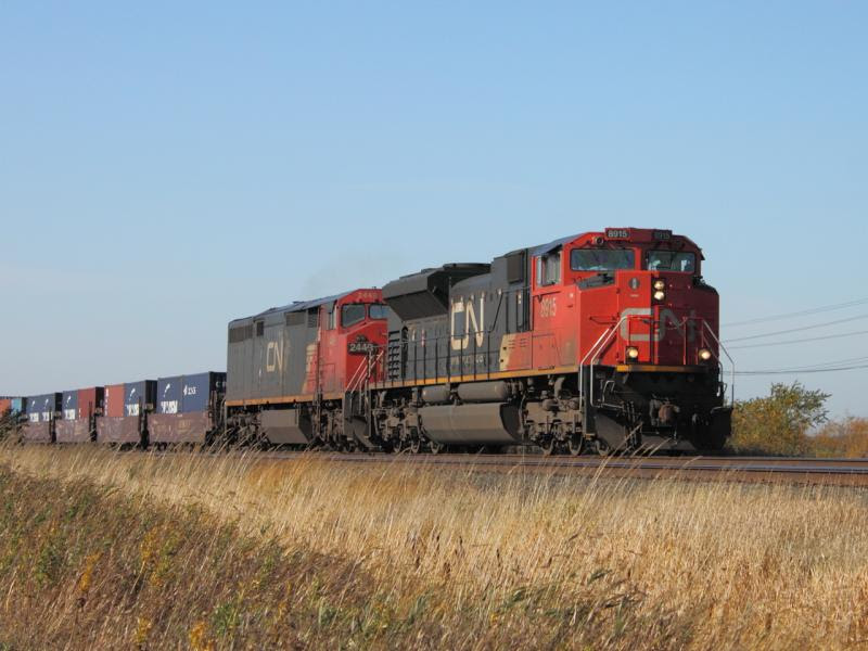 CN 8915 in Winnipeg