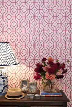 Anna Spiro has designed a striking wallpaper collection for Porters Paints.  Just recently released at DesignEx I am looking forward to having brunch @ Porter's on Thursday so i can see the whole collection!