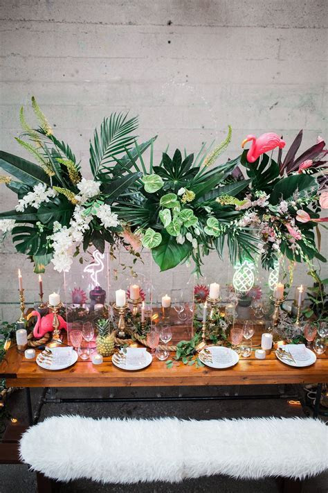Stylish Tropical Wedding Inspiration in the Pacific