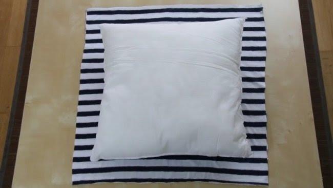 подушка на футболке