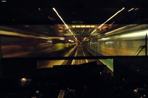 Alucinando con la vista del metro by Alejandro Bonilla