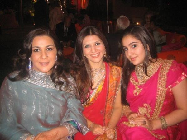 The ex-wife of Saif Ali Khan, Amrita singh and daughter Sara Ali Khan ...