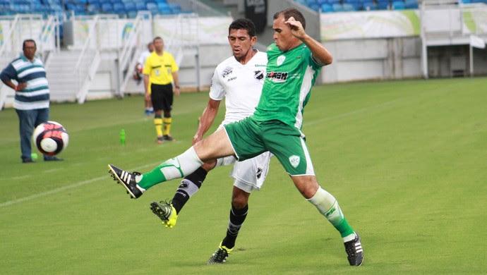 Geilson Alecrim x ABC (Foto: Fabiano de Oliveira/GloboEsporte.com)