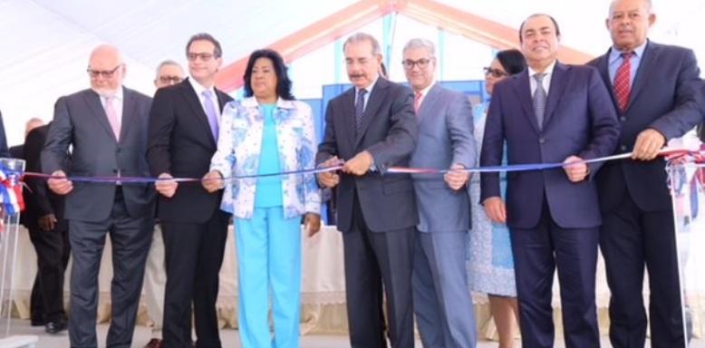 Danilo Medina inauguró el elevado entrada del Multimodal Caucedo