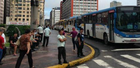 Cerca de dois milhões de passageiros são transportados por dia no Grande Recife / Foto: Guga Matos/JC Imagem