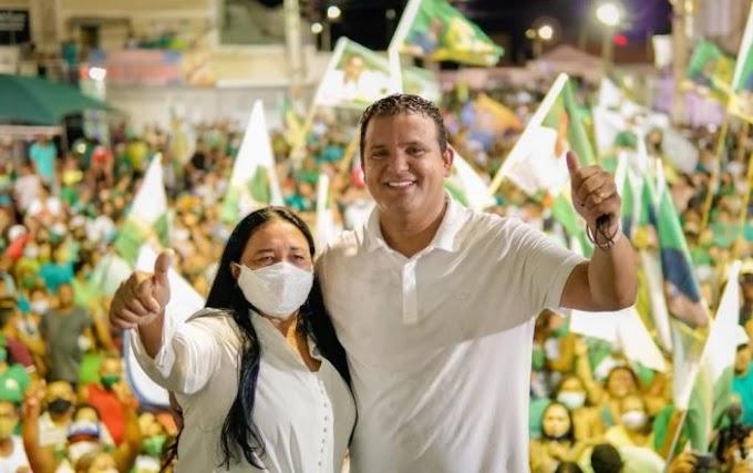 Comício de Hélio e Pretinha lotam as ruas de Guamaré