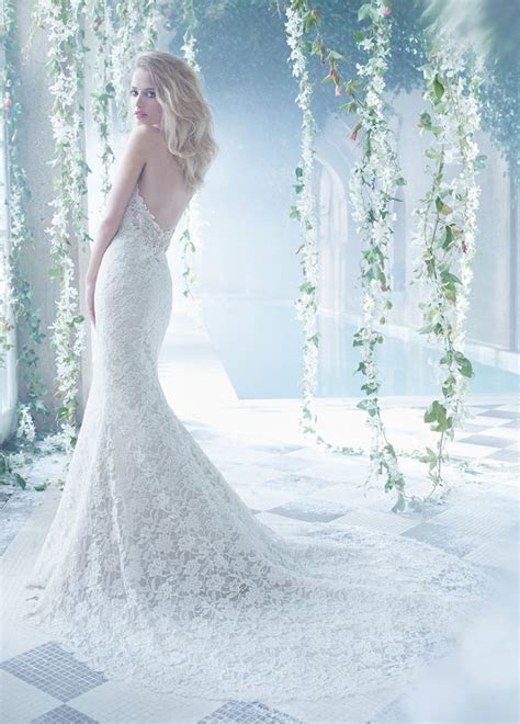 152 best images about Ooodles of Wedding Dresses on Pinterest