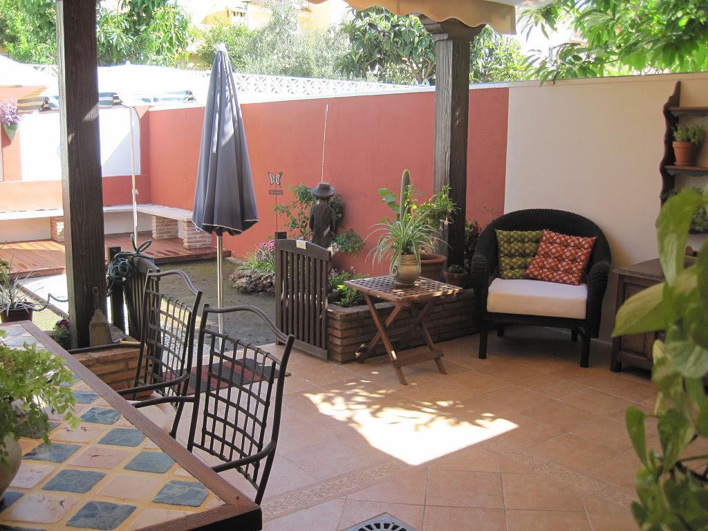 Dormitorio muebles modernos decoracion de patios de casas - Patios exteriores decoracion ...