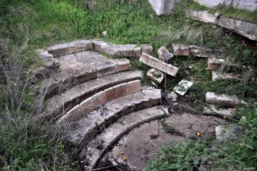 Το μικρότερο αρχαίο θέατρο της Ελλάδας στο Φισκάρδο !