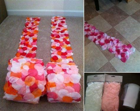 DIY Rose Petal Side Aisle Runners   Future Wedding