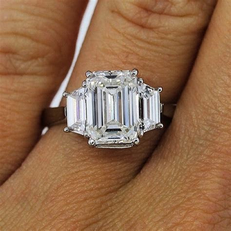 Engagement Ring Etiquette: Do?s and Don?ts   Engagement