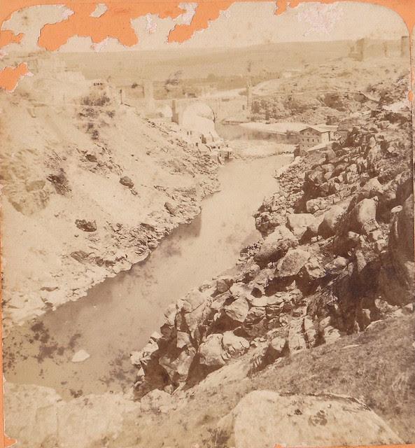 Torno del Tajo y Puente de Alcántara. Fotografía estereoscópica de Jean Andrieu en 1868 con número de serie 2652