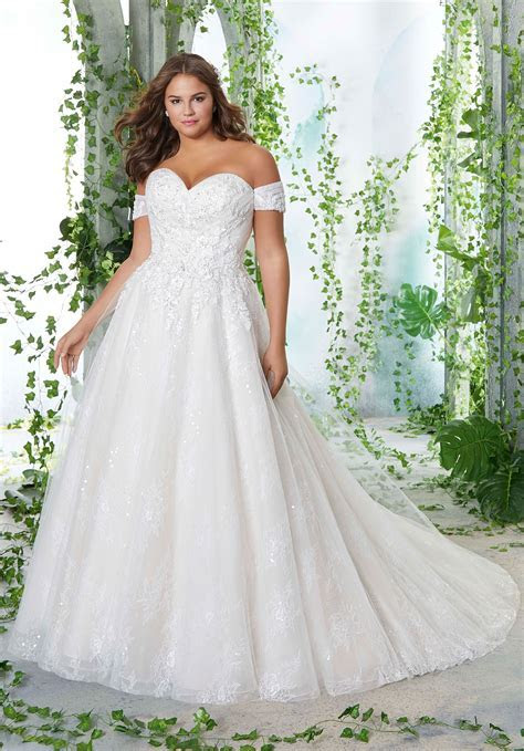 Plus Size Wedding Dress with Lace Appliques on Tulle