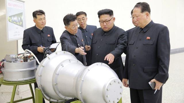 El gobierno de Trump envía 40 buques militares a la península coreana ante la amenaza de Kim Jong-un