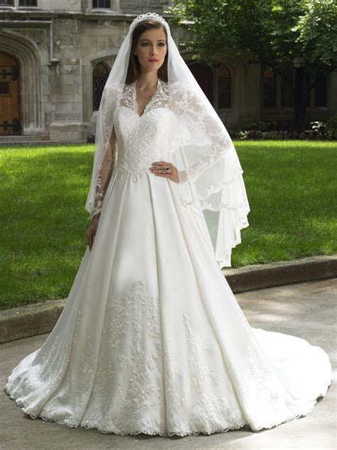 Classic Italian Wedding Dress   My Style in 2019   Kate