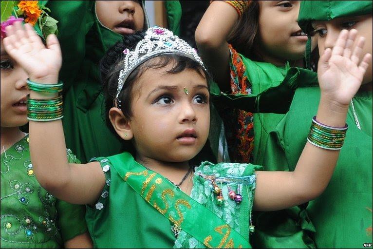Indian children celebrate Green Day at Sun Valley Public School in Amritsar