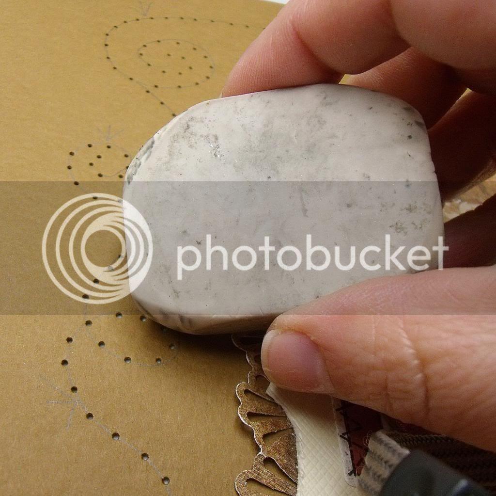 http://i1293.photobucket.com/albums/b600/nicutopia/MCS%20January%20GDT/StitchingTutorial4_zpsadff7988.jpg