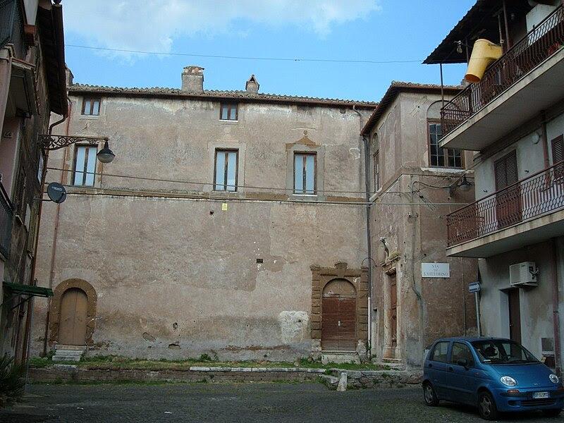 File:San Vittorino Romano 08 Castello Barberini.JPG