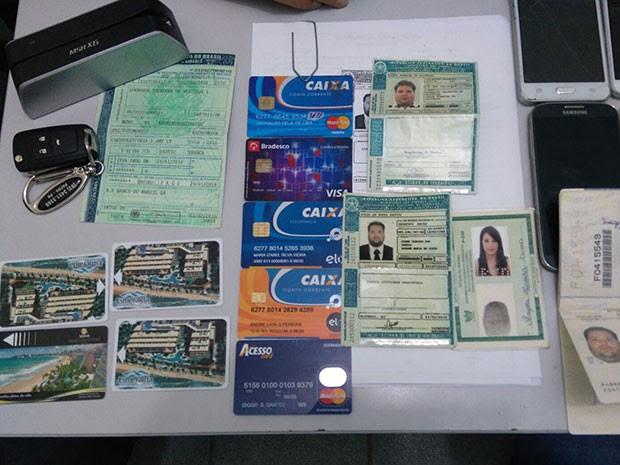 Casal foi preso suspeito de aplicar golpes em hotéis de Natal (Foto: Divulgação/Polícia Civil)