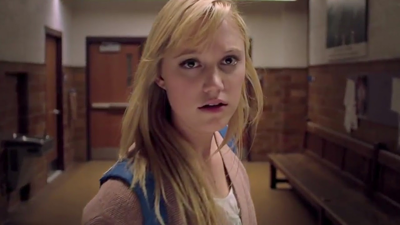click to see more stills from It Follows